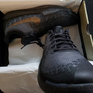 BRAND NEW SHOES WITH BOX